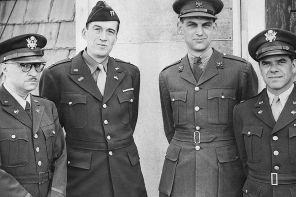 Hollywood Filmmakers in the Army