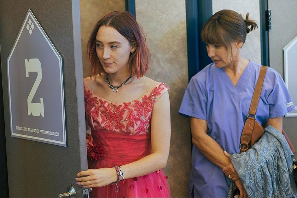 lady-bird-movie-review-laurie-metcalf-saoirse-ronan-mother-daughter-film-director-greta-gerwig