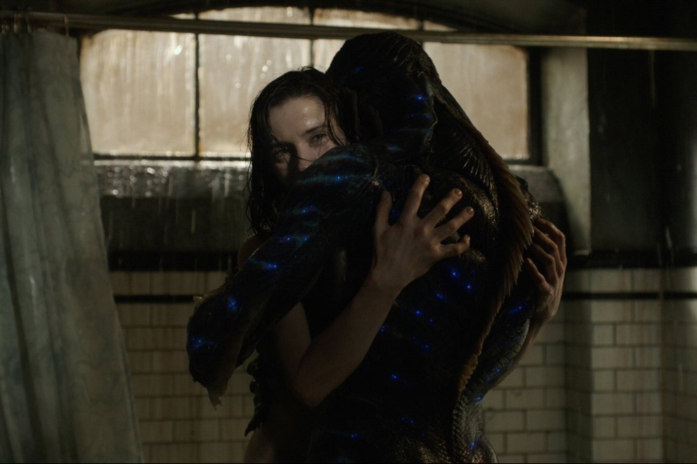 the-shape-of-water-review-making-a-monster-movie-romance-12.jpg